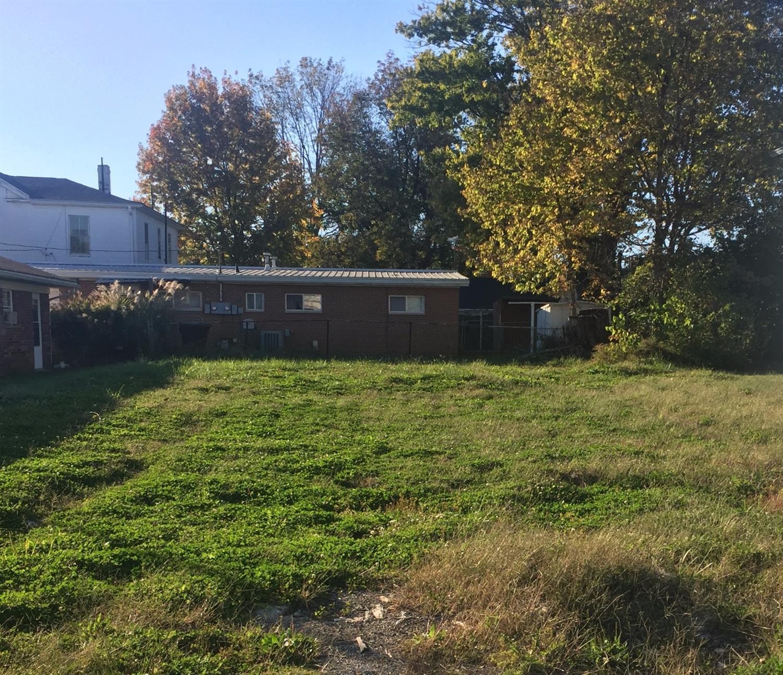 106 S Pleasant St Georgetown OH
