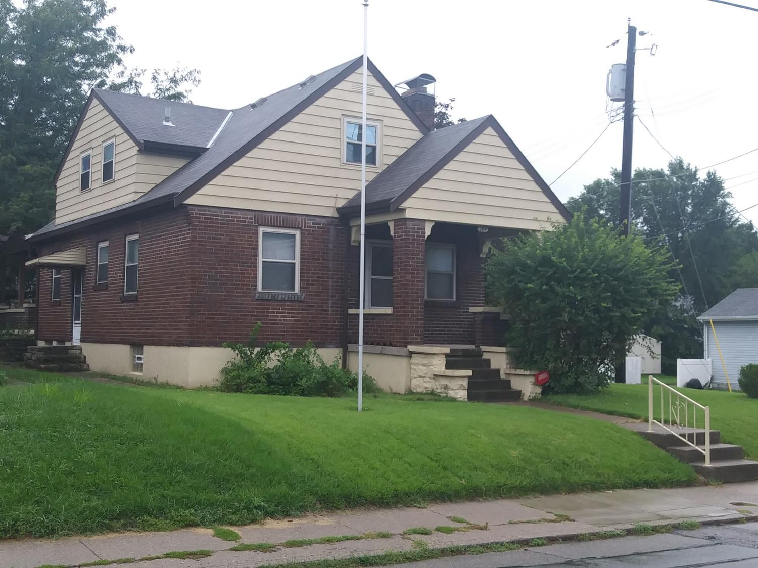 209  Bank Ave