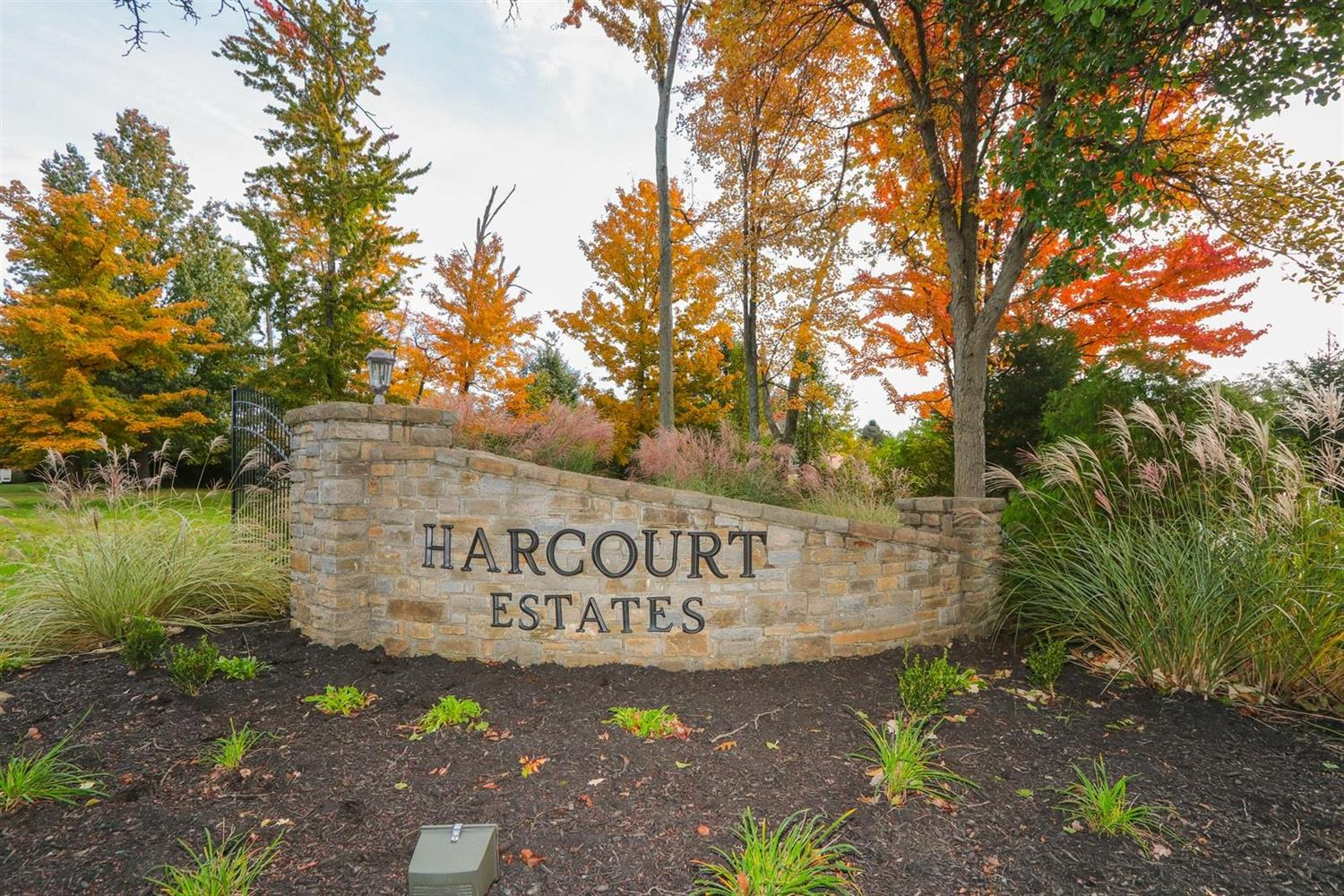 2136 Harcourt Dr Anderson Twp OH