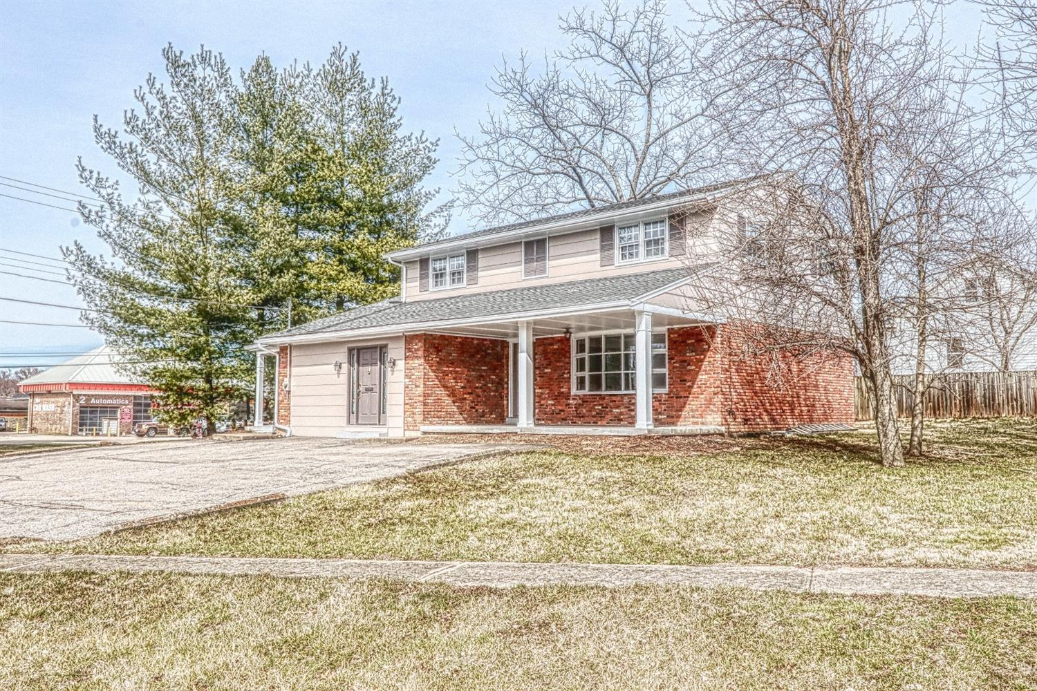 1 Crestview Dr Milford OH