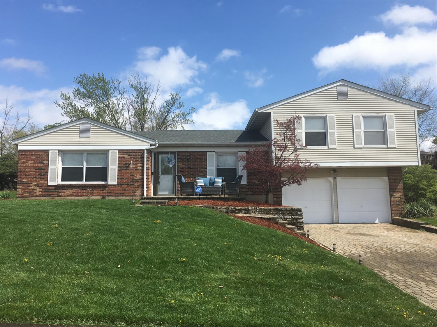 946 Belsage Ct Springfield Twp. OH