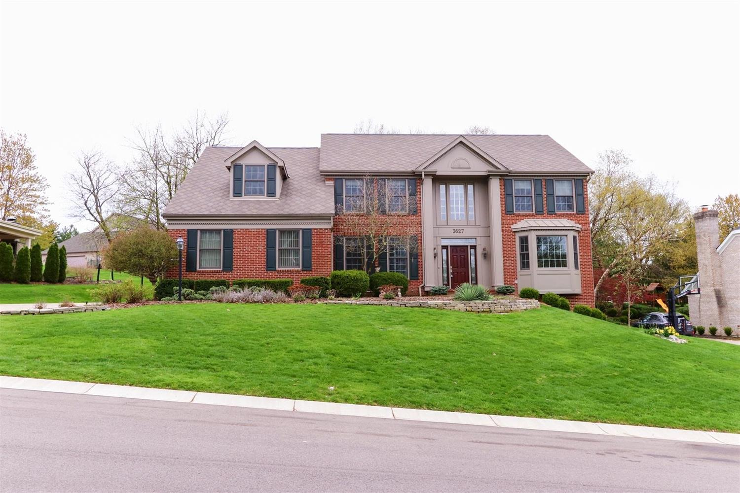 3627 Carpenters Green Ln Blue Ash OH