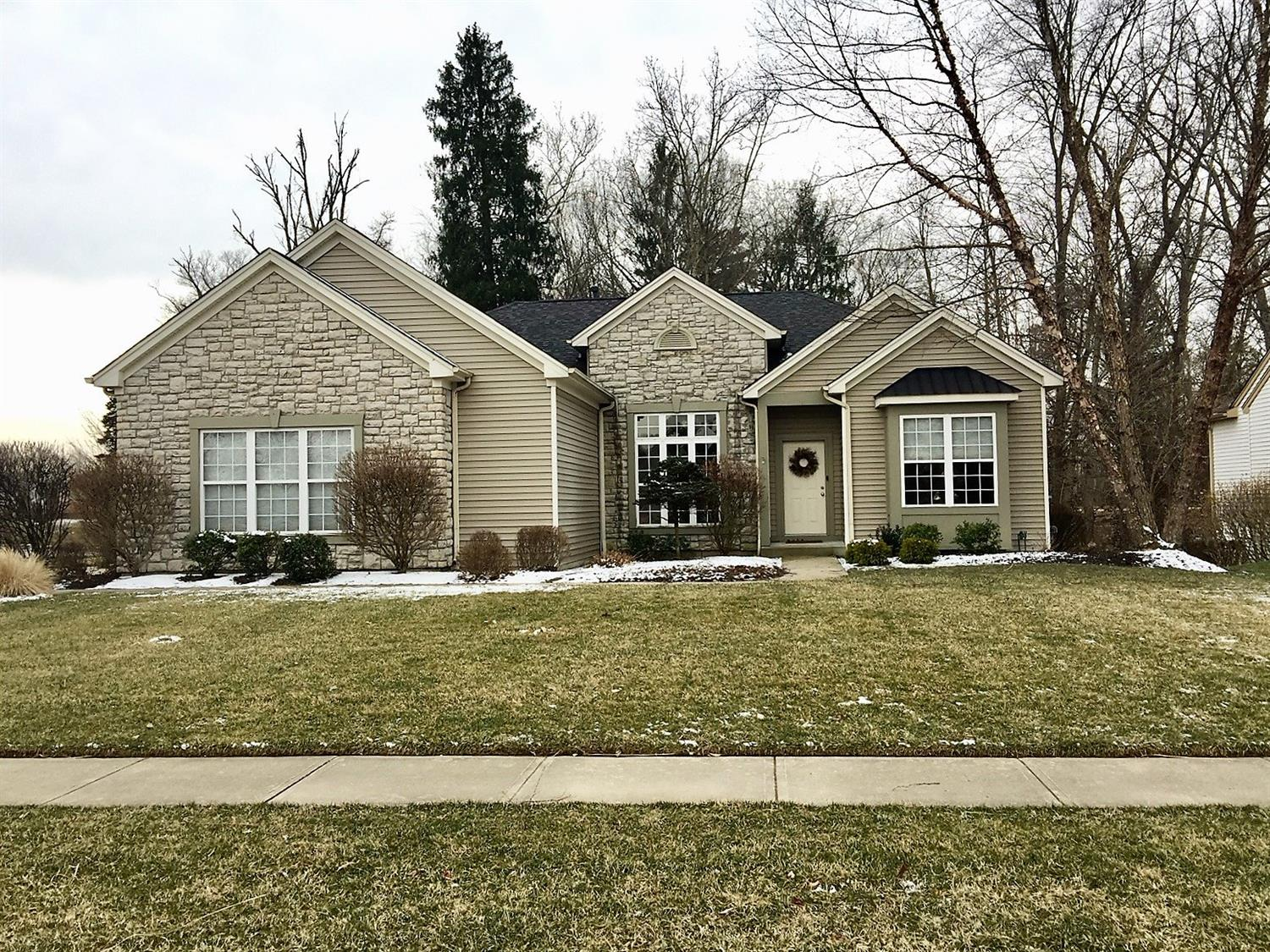 401 County Down Ln Loveland OH