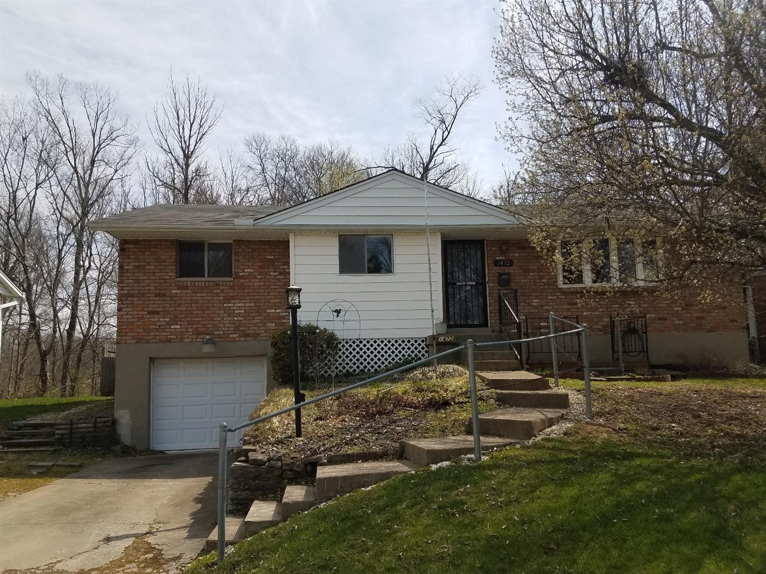 1472 Blueorchard Dr Anderson Twp OH