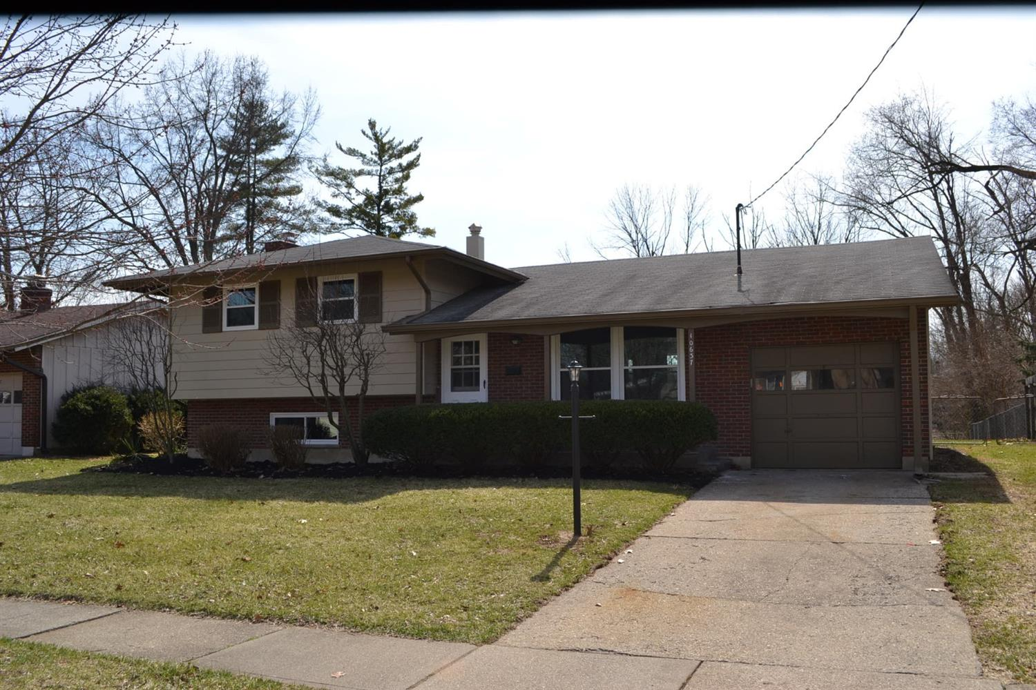 10637 Chelmsford Rd Forest Park OH