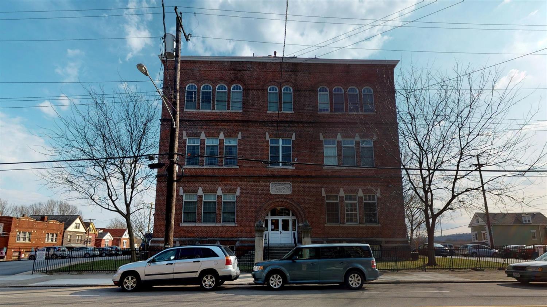 1615 Chase Ave 4F Cincinnati OH