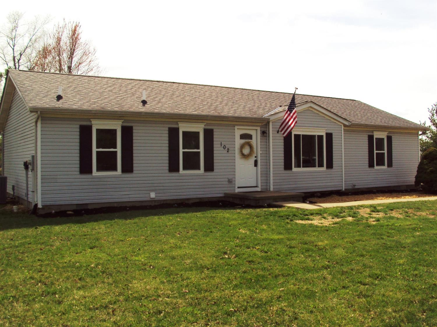 102 Choctaw Dr Franklin Twp OH
