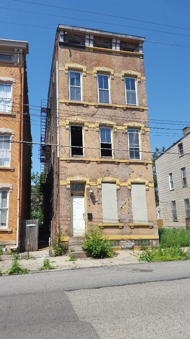 2137 Colerain Ave Cincinnati OH