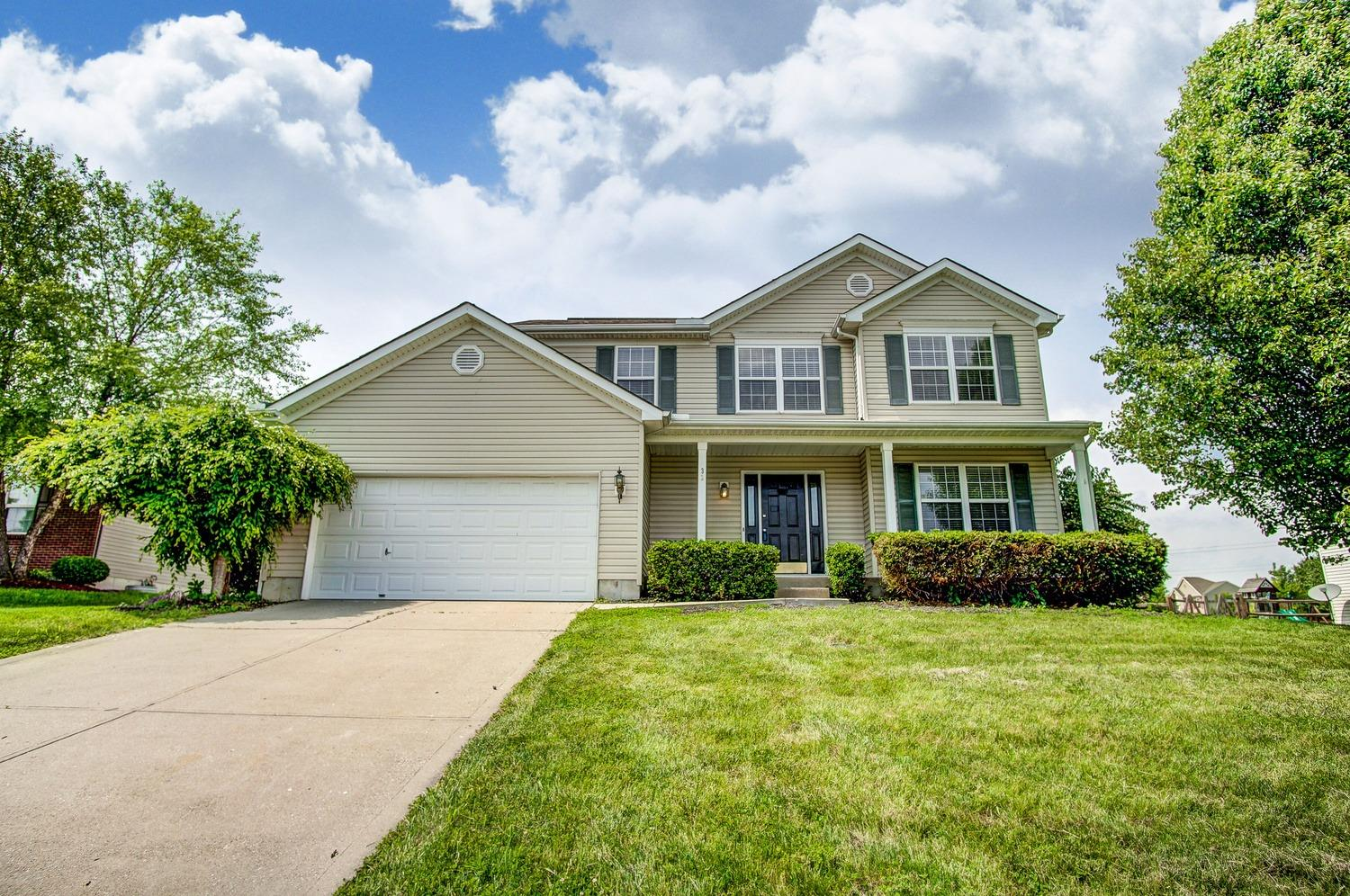 32 Churchill Manor Ct Monroe OH
