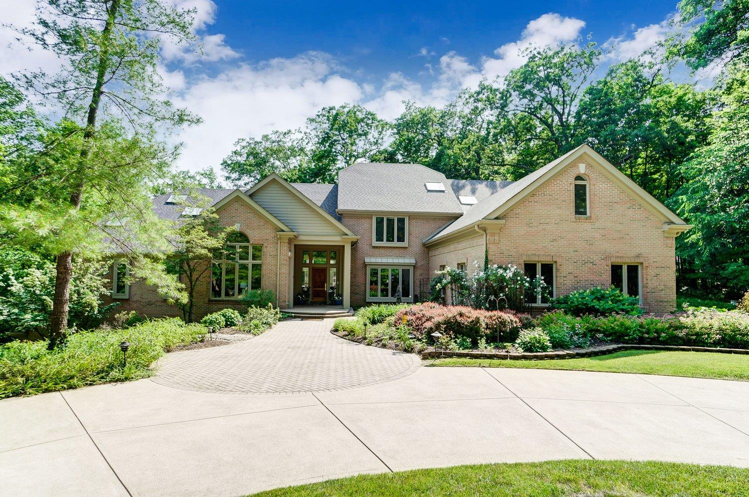 8325 Carolines Trl Indian Hill OH