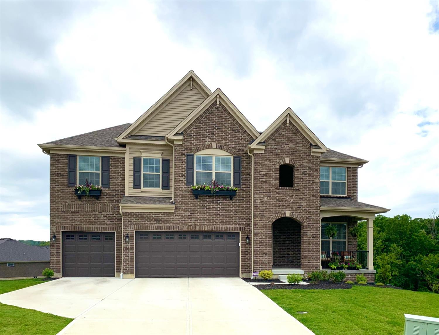 5087 Greenshire Dr Green Twp OH