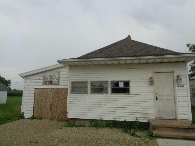 302 Eaton St College Corner OH