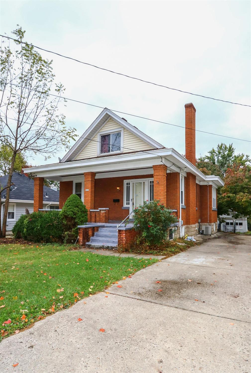 3327 Augusta Ave Cheviot OH