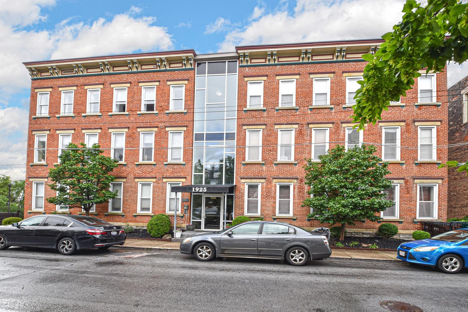 1925 Auburn Ave 2 Cincinnati OH