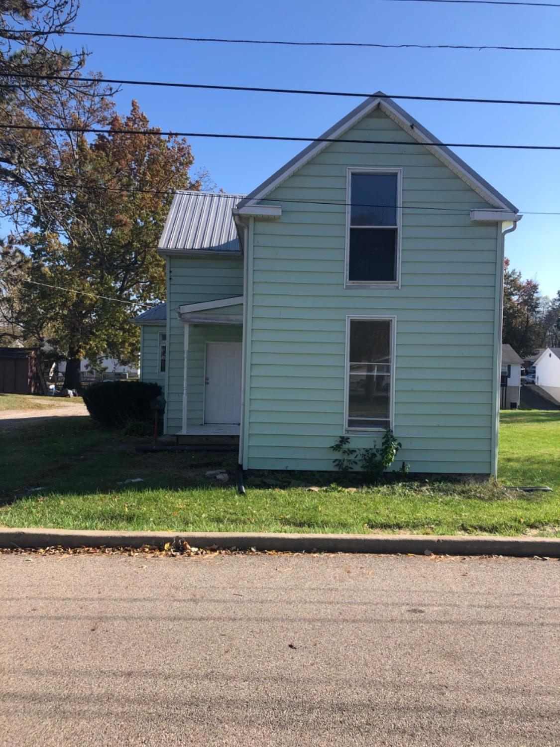 119 Carr St Blanchester OH