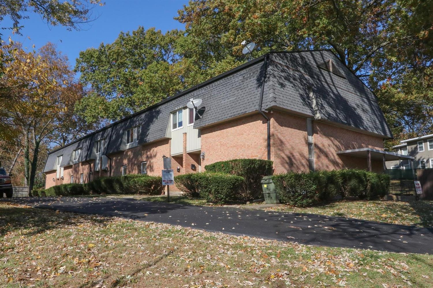 25 Cromwell Rd Greenhills OH
