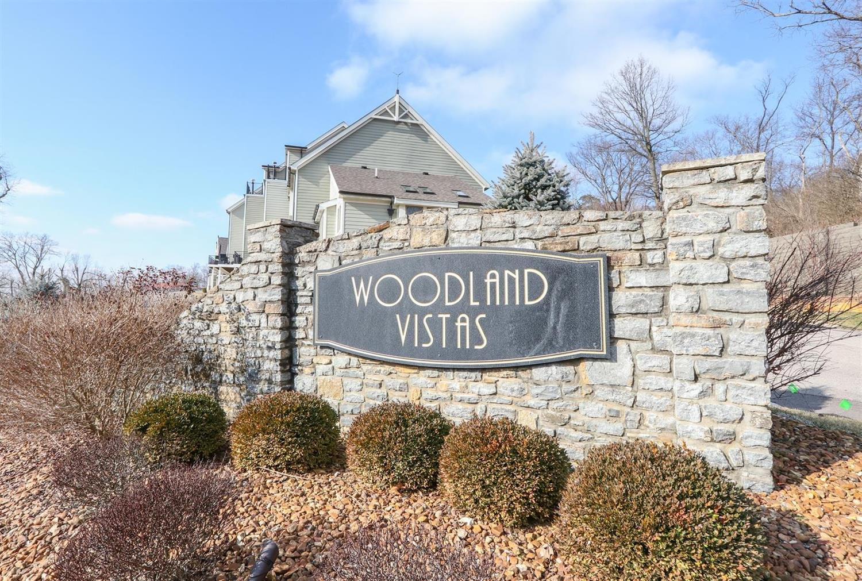 Woodland Ln 12 Columbia Twp OH