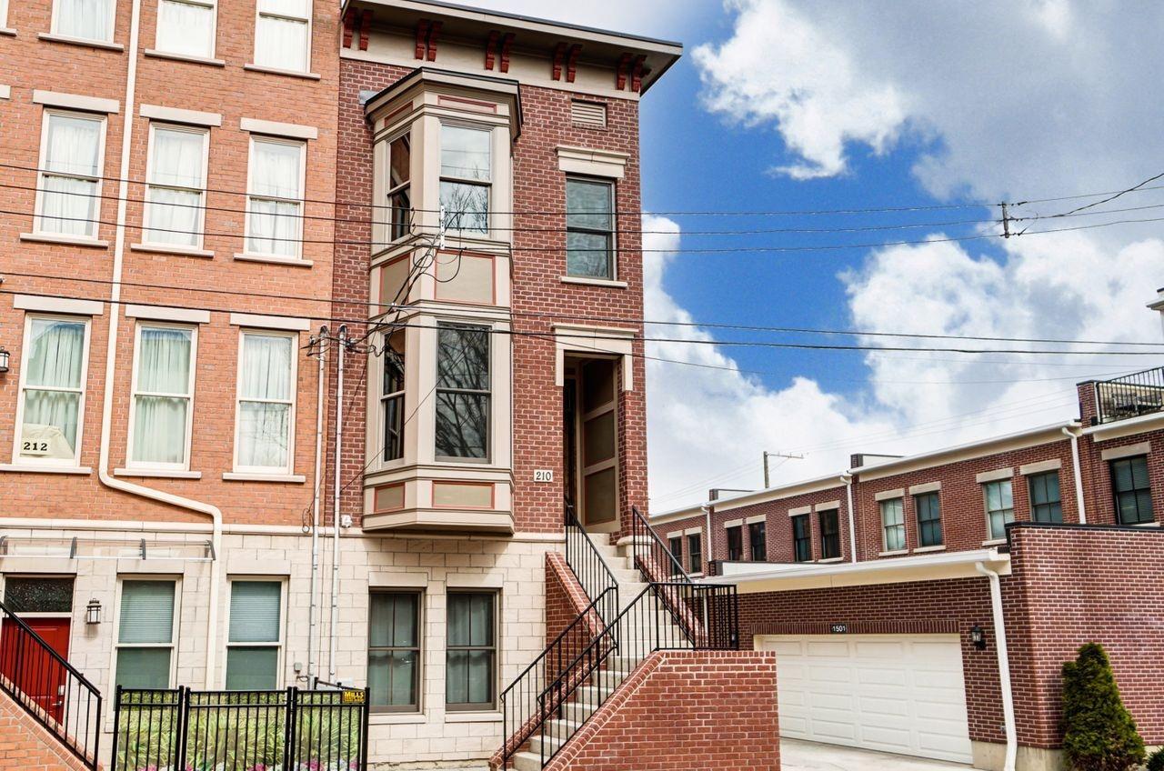 210 W Fifteenth St Cincinnati OH