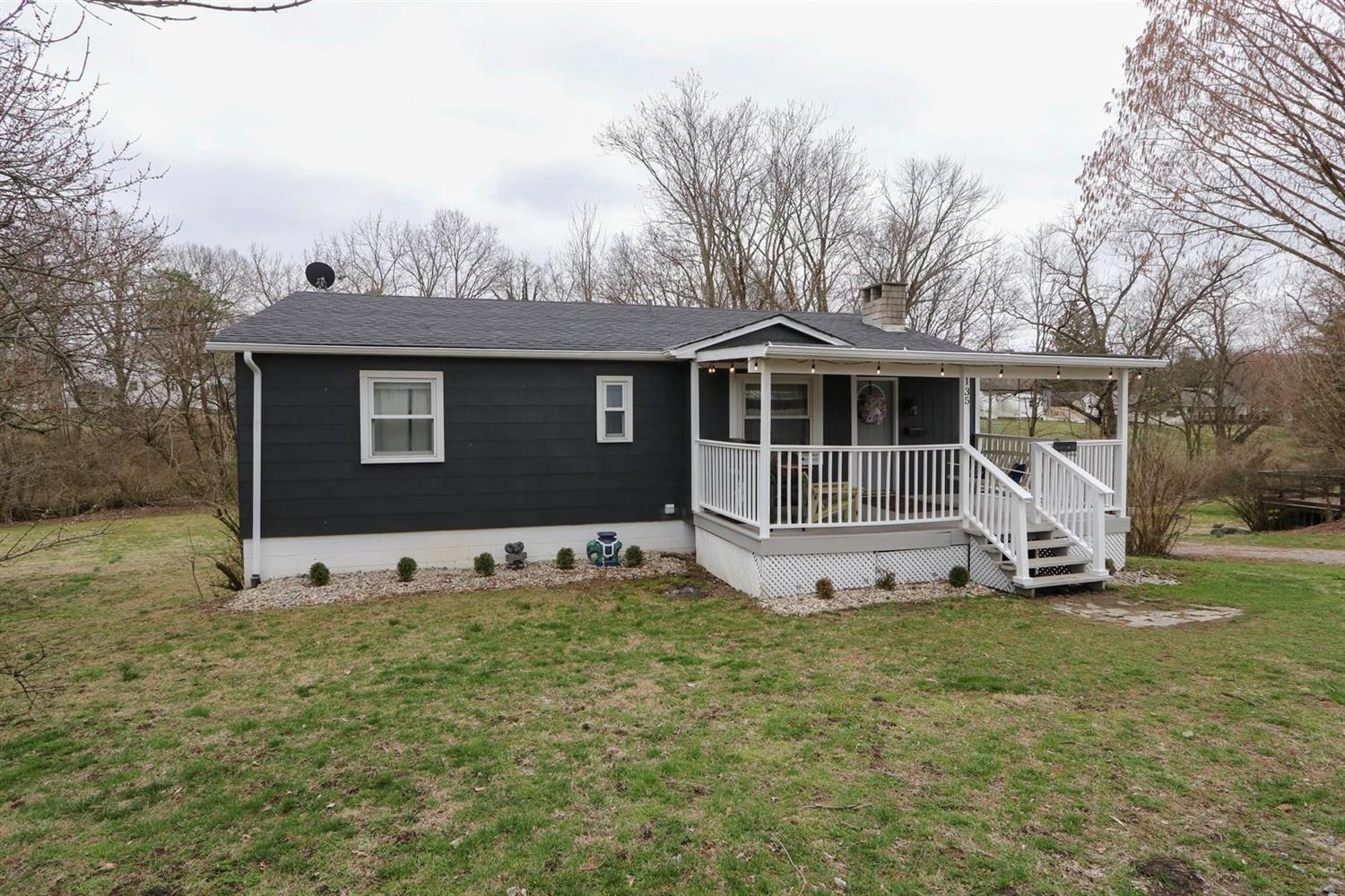 135 Bourbon St Blanchester OH
