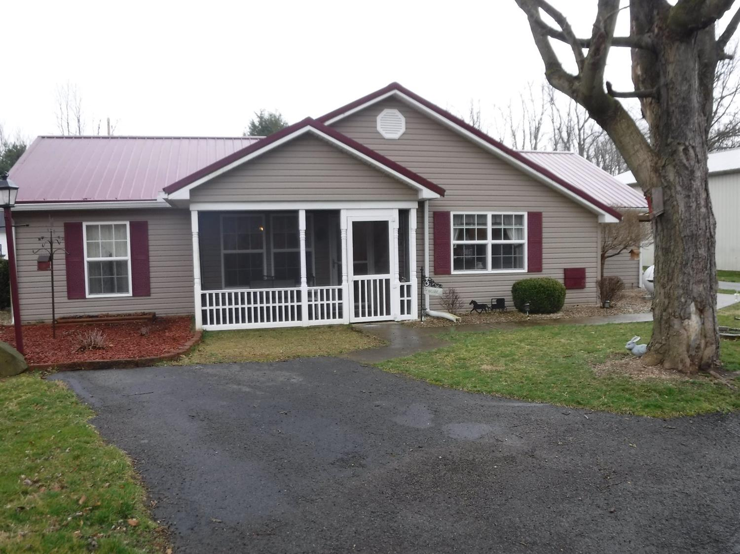 6938 Chari Dr Paint Twp OH
