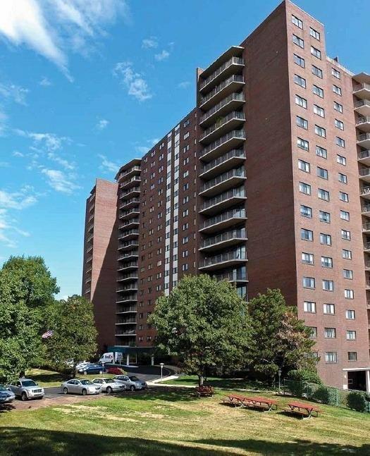 5300 Hamilton Ave 1208 Cincinnati OH