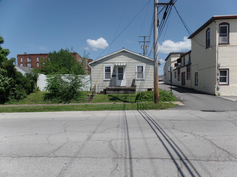 118 S West St Hillsboro OH