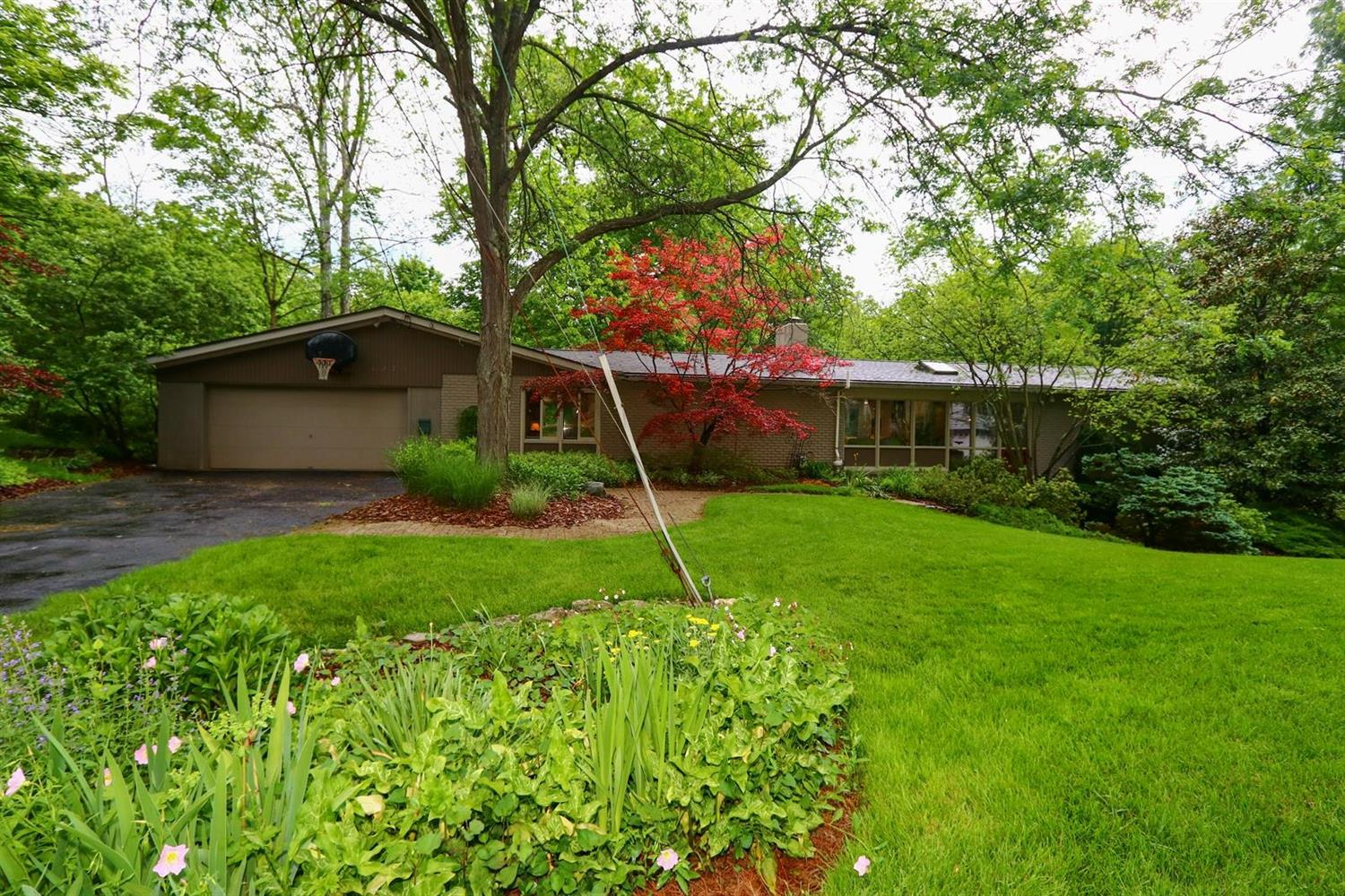 1275 Forest Ct Wyoming OH