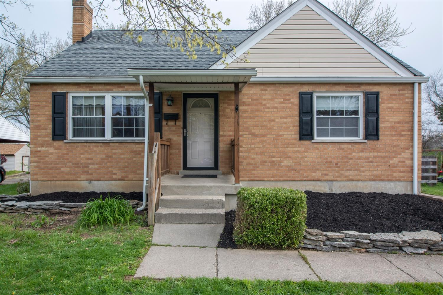 3310 Harry Lee Ln Colerain Twp OH