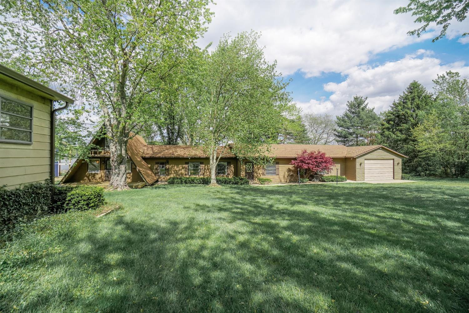 1097 1098 Stuttgart Dr Perry Twp OH
