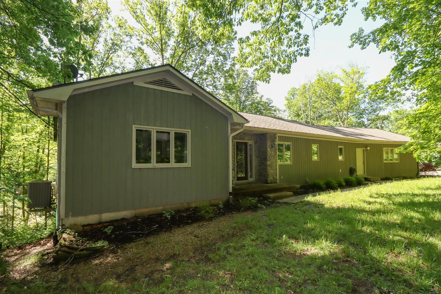 3249 Alpine Ter Pierce Twp OH