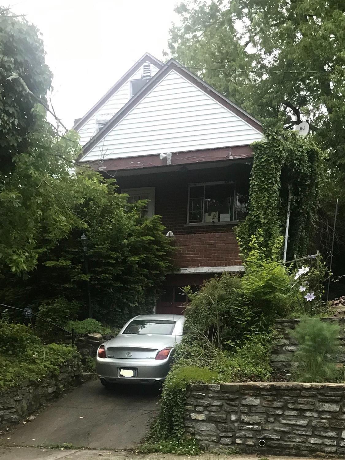 2424 canterbury Ave Golf Manor OH