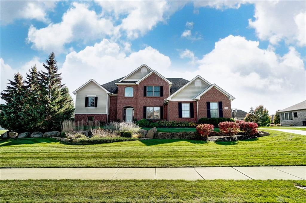 2634 Meadowpoint DR TROY OH
