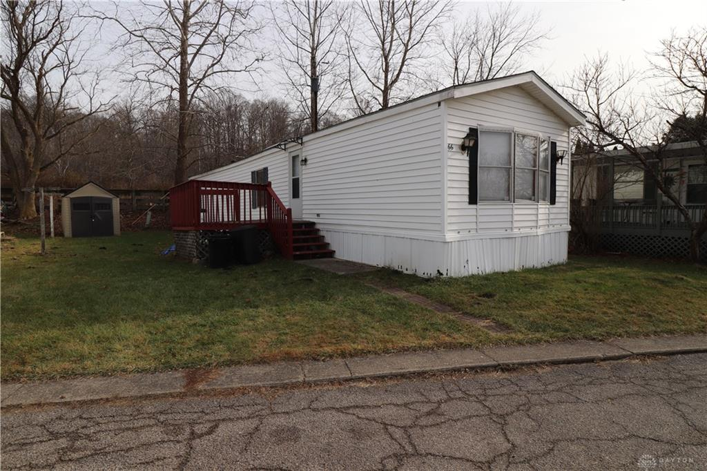 66 Lakeshore DR SPRINGVALLEY OH