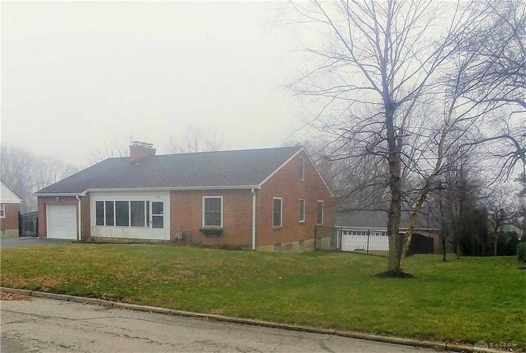 110 Ridgeway DR CENTERVILLE OH