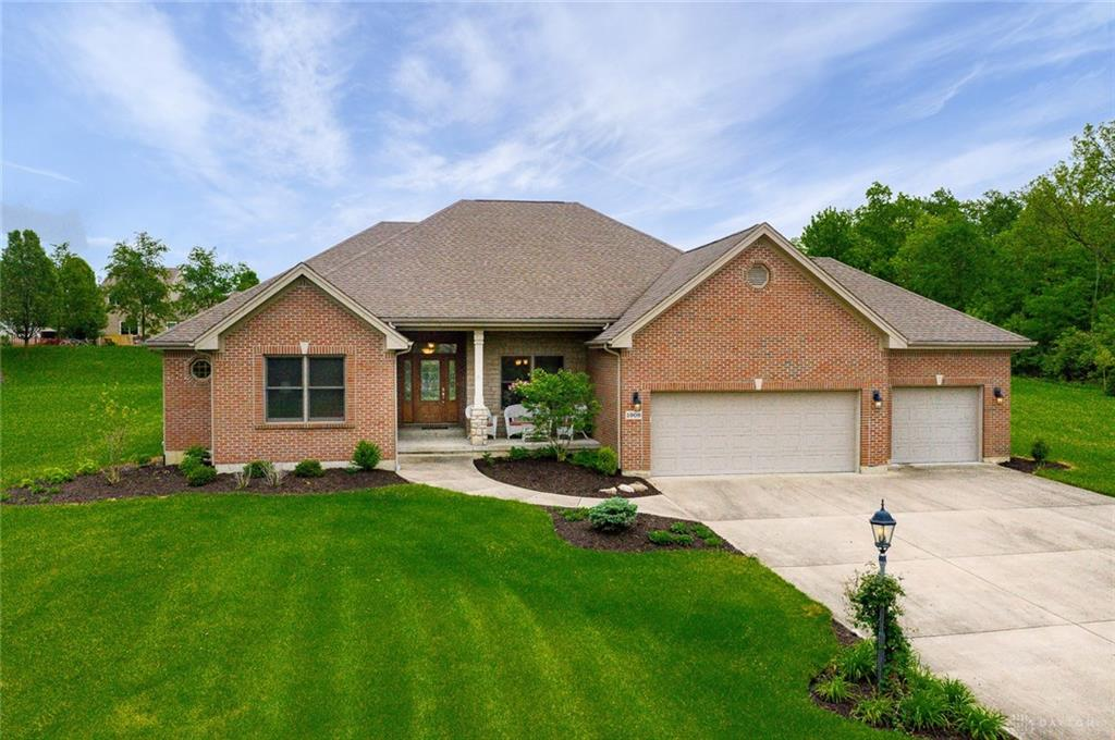 1908 Russell CT MIAMISBURG OH