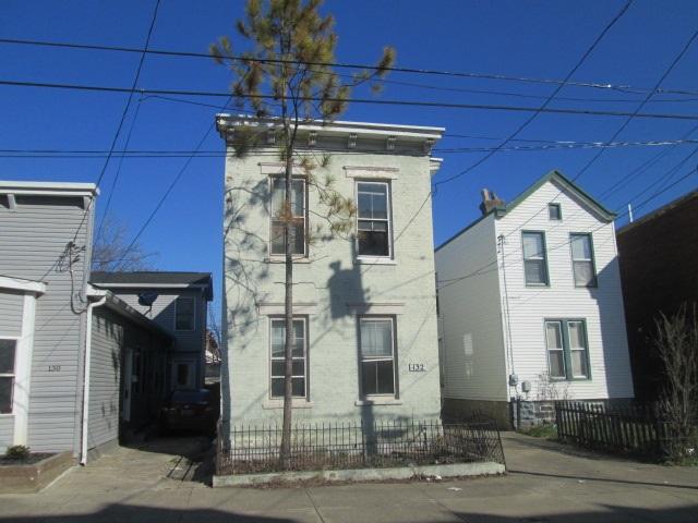132 E 10th Street