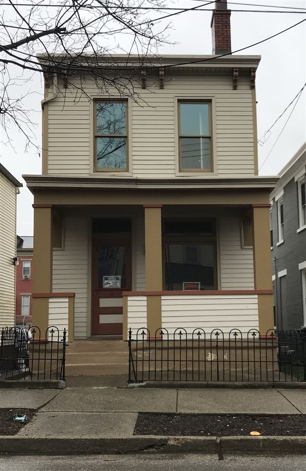409 W 9th Street