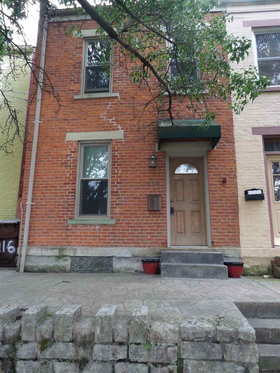 216 E 6th Street