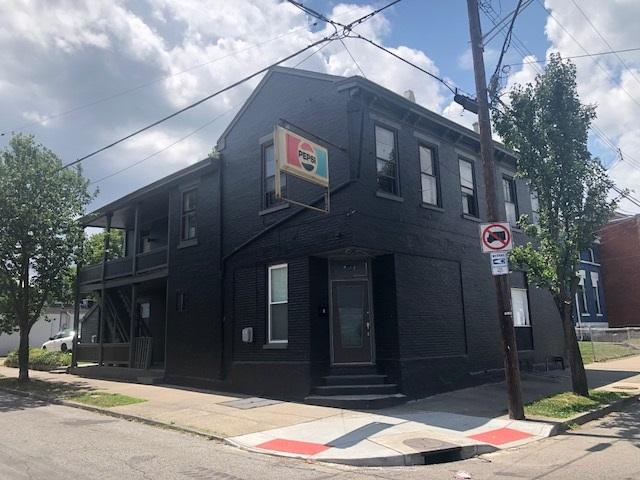 421 E 16th Street