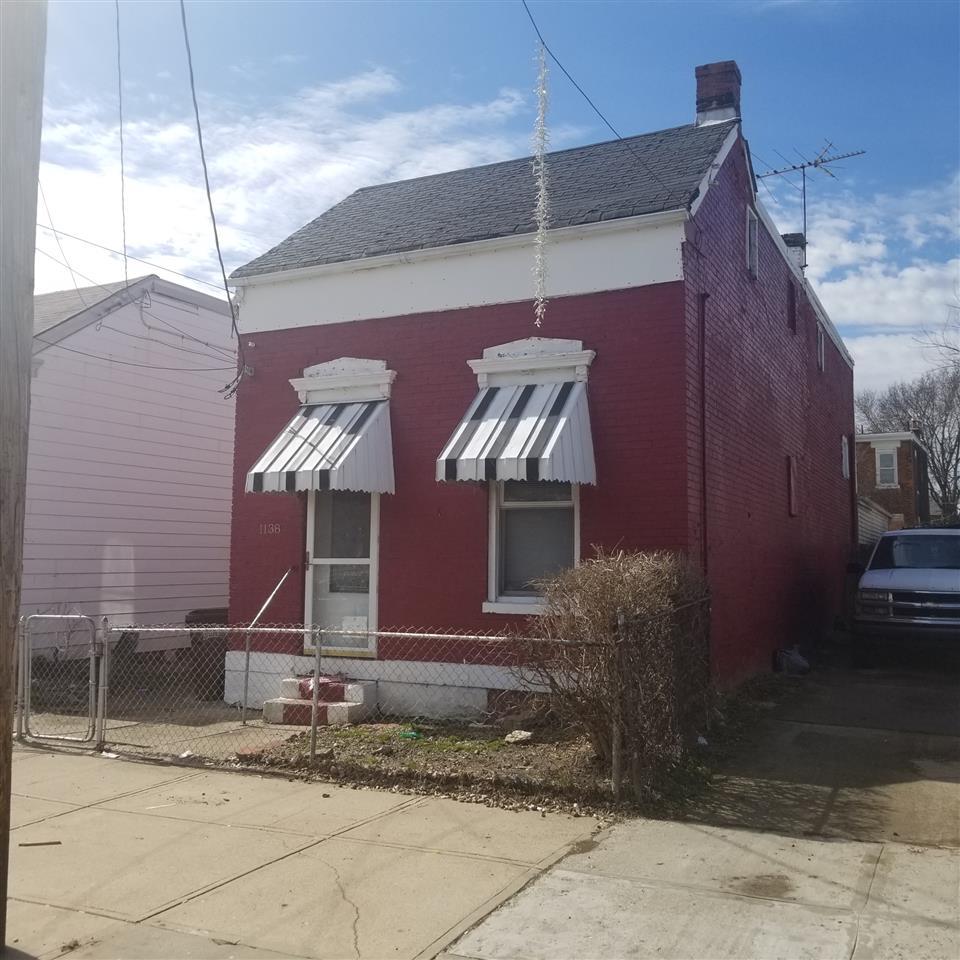 1138  Columbia Street